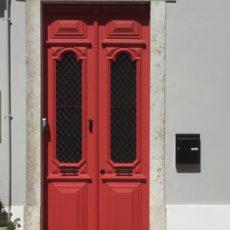 TAALTIP – Waar komt 'zo gek als een deur' vandaan?